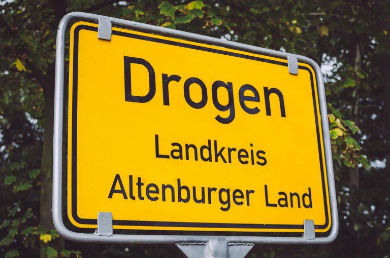 Ortseingangsschild von Drogen (Altenburger Land, Thüringen)