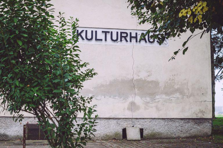 Außenwand des Kulturhauses in Drogen (Altenburger Land, Thüringen)