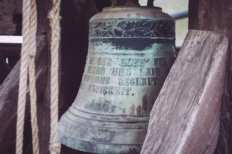 Glocke im Glockenhaus in Poppendorf (Schkölen, Thüringen)