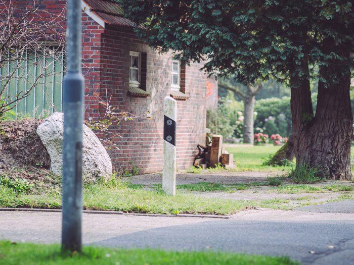 Verlassene Straßenecke in Rußland (Friedeburg, Niedersachsen)