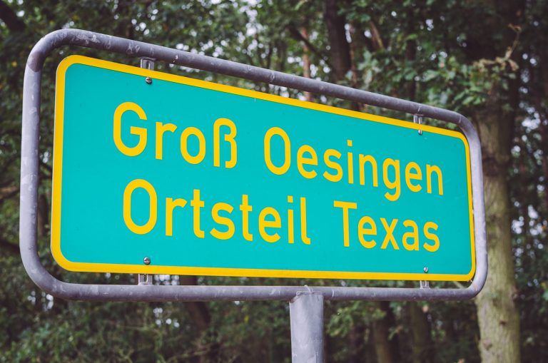 Ortseingangsschild in Texas (Groß Oesingen, Niedersachsen)