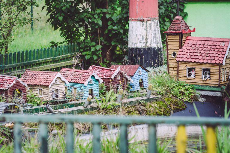 Gartendeko - kleine Häuser - in Waterloo (Karstädt, Brandenburg)