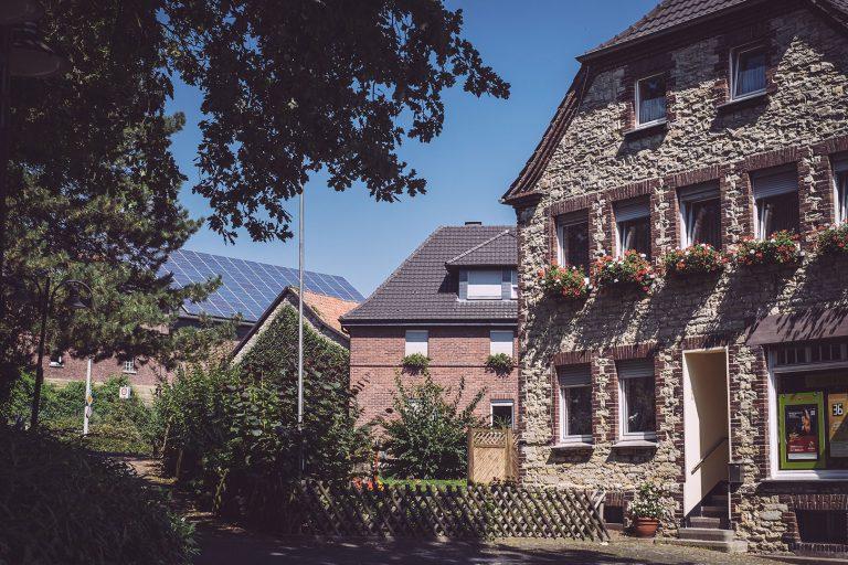 Altes Backsteinhaus in Bremen (Ense, Nordrhein-Westfalen)