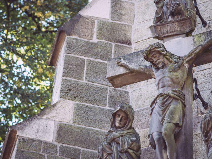 Jesus-Statue in Bremen (Ense, Nordrhein-Westfalen)