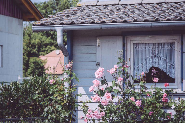 Ecke eines Hauses mit Vorgarten in Bremen (Hohentengen, Baden-Württemberg)