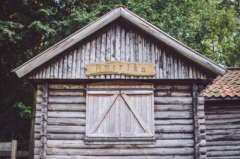 Holzhütte in Amerika (Friedeburg, Niedersachsen)