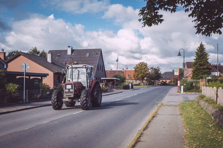 Traktor in Berlin (Seedorf, Schleswig-Holstein)