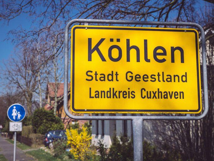 Ortsschild in Köhlen (Geestland, Niedersachsen)