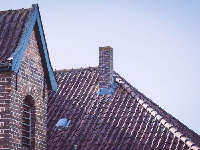 Dach der Kirche in Neustadtgödens (Sande, Niedersachsen)