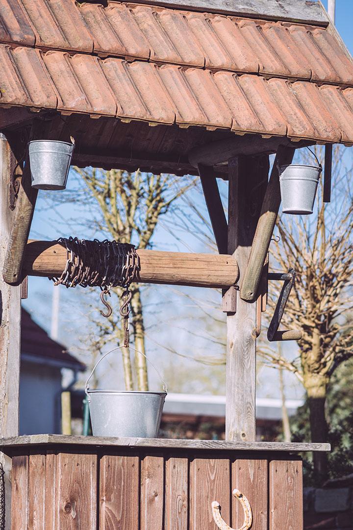 Brunnen in Neustadtgödens (Sande, Niedersachsen)