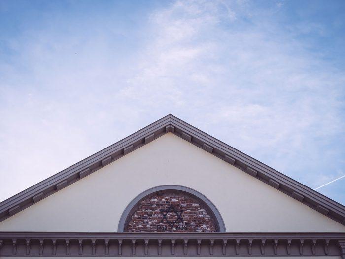 Dach der Synagoge in Neustadtgödens (Sande, Niedersachsen)
