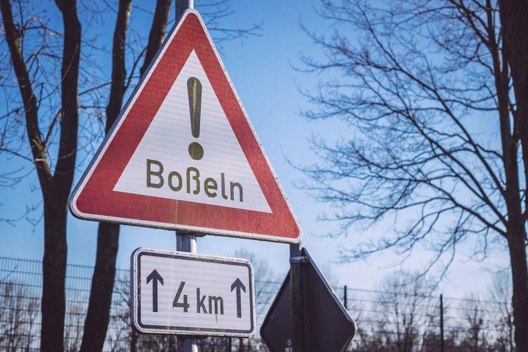 Straßenschild in Neustadtgödens (Sande, Niedersachsen)