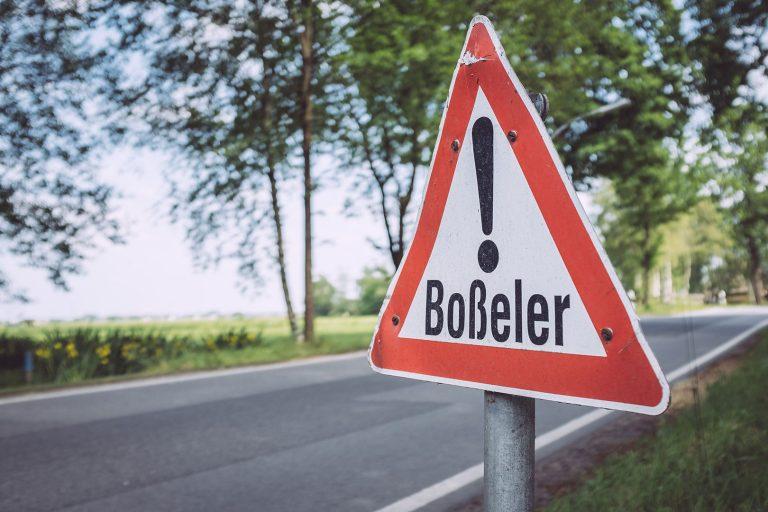 Hinweisschild Boßeler in Harrierwurp (Brake, Niedersachsen)