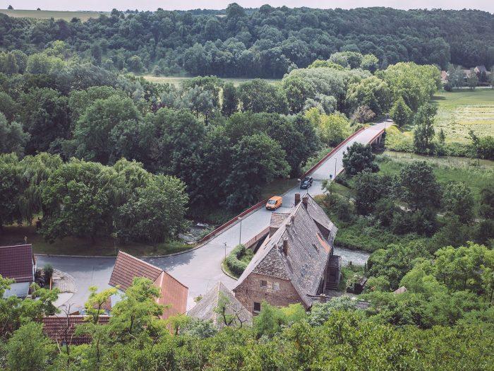 Brücke über in die Unstrut in Burgscheidungen (Burgenlandkreis, Sachsen-Anhalt)