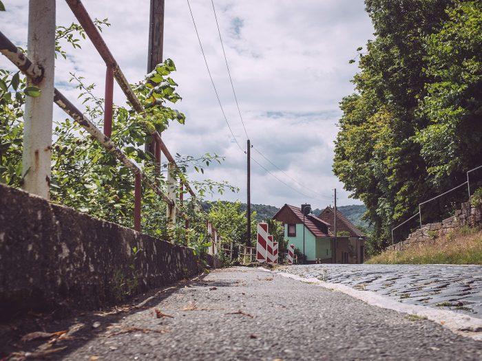 Alte Straße in Burgscheidungen (Burgenlandkreis, Sachsen-Anhalt)