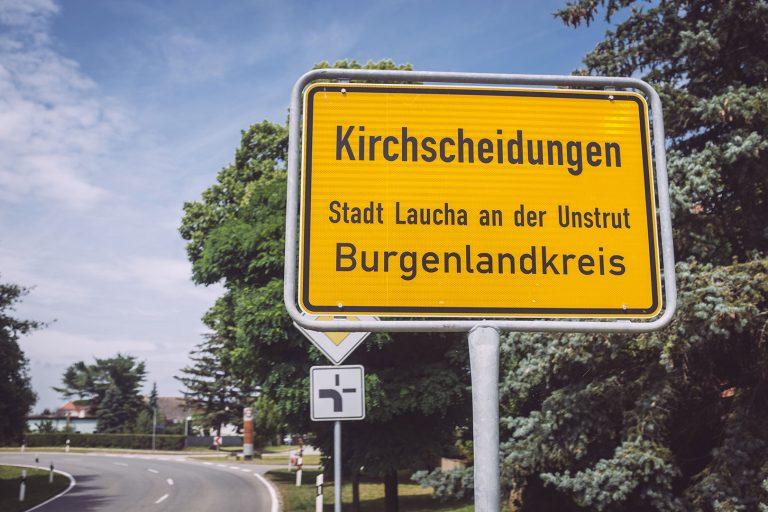 Ortsschild in Kirchscheidungen (Burgenlandkreis, Sachsen-Anhalt)