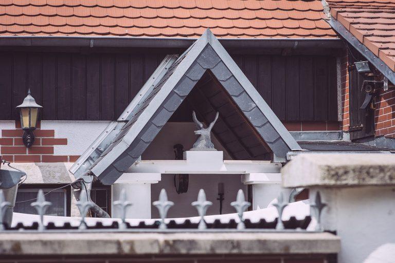 Dach in Kirchscheidungen (Burgenlandkreis, Sachsen-Anhalt)