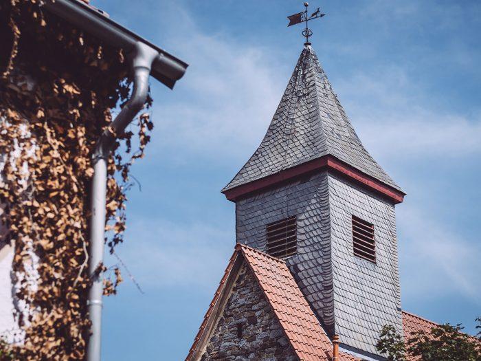 Kirchturm in Holzhausen (Immenhausen, Hessen)