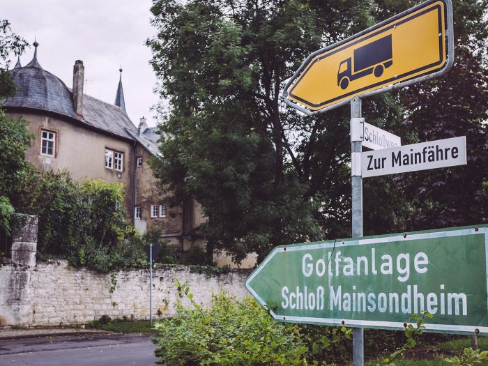 Kreuzung in Mainsondheim (Dettelbach, Bayern)