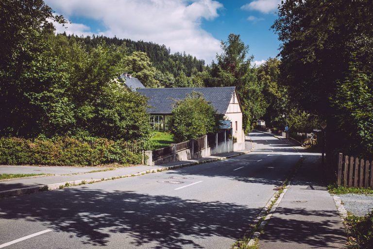 Straße in Hölle (Naila, Bayern)