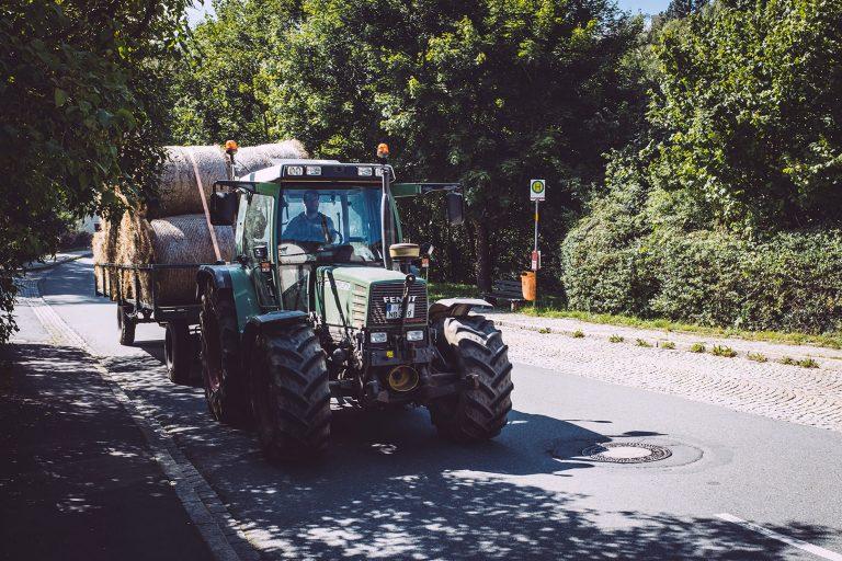 Traktor in Hölle (Naila, Bayern)