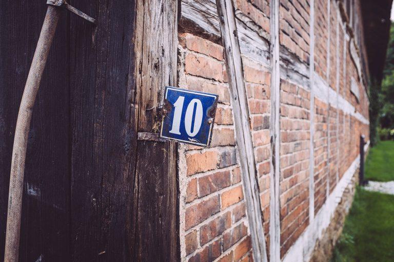 Hausnummer Schild in Schmatzfeld (Hordharz, Sachsen-Anhalt)