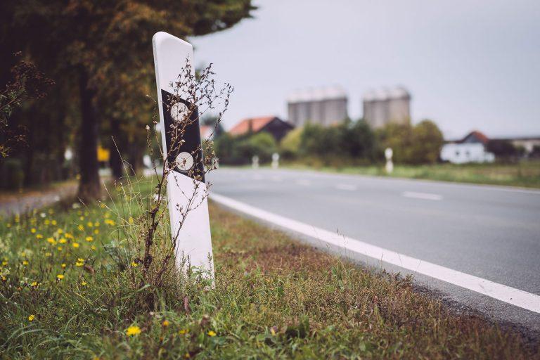 Straße in Schmatzfeld (Hordharz, Sachsen-Anhalt)