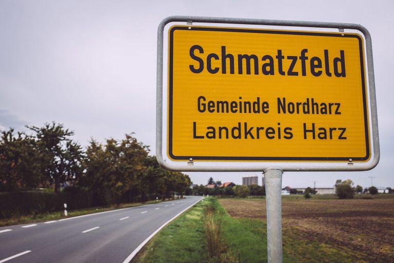 Ortsschild Schmatzfeld (Hordharz, Sachsen-Anhalt)