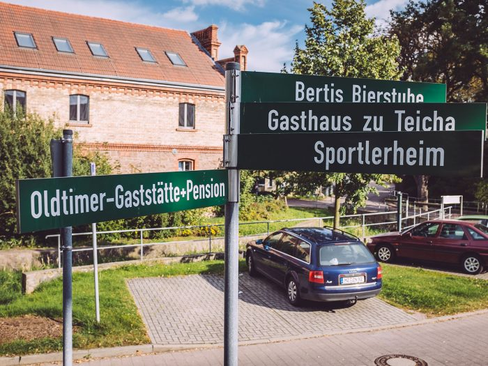 Straßenschilder in Teicha (Petersberg, Sachsen-Anhalt)