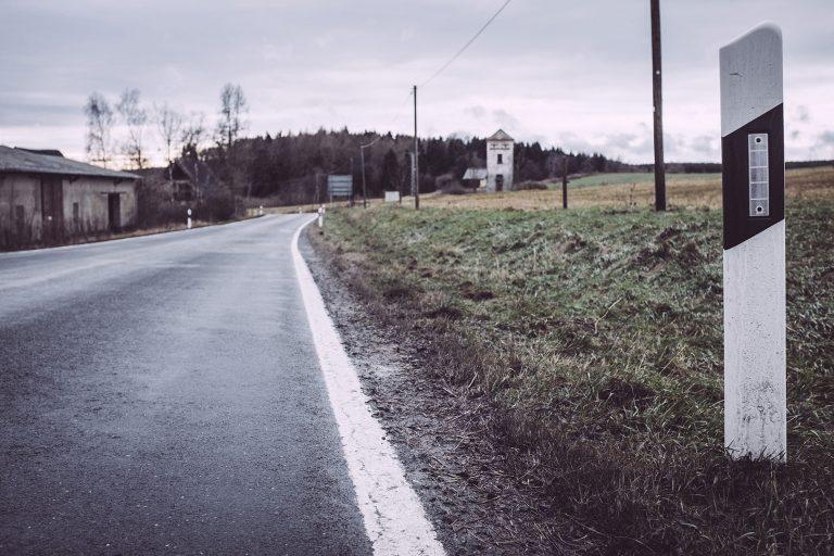 Leitpfosten in Bärenrode (Güntersberge, Harz, Sachsen-Anhalt)