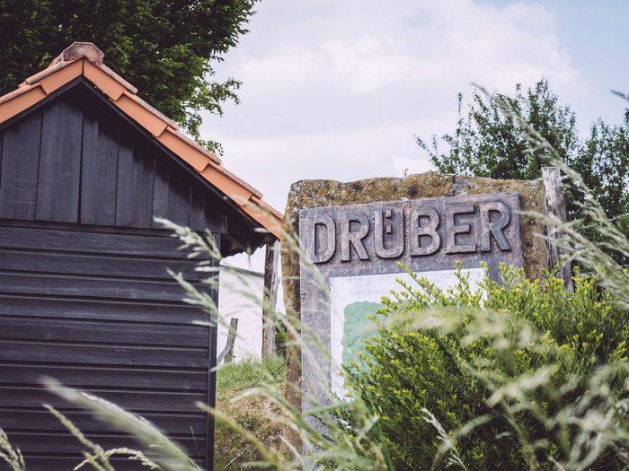 Begrüßungsstein in Drüber (Northeim, Niedersachsen)