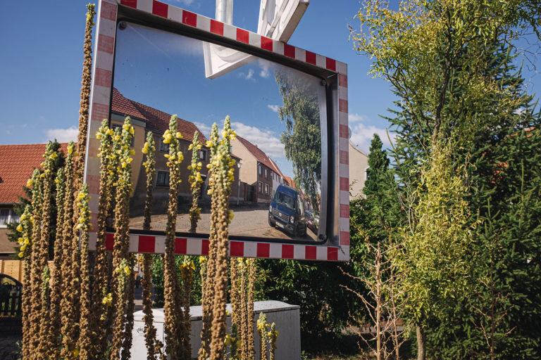 Straßenspiegel in Werningshausen (Sömmerda, Thüringen)