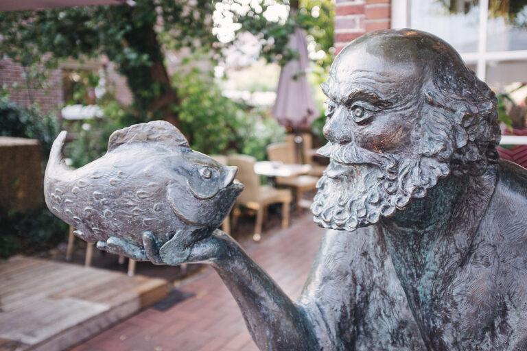 Fischer Statue auf Langeoog (Wittmund, Niedersachsen)