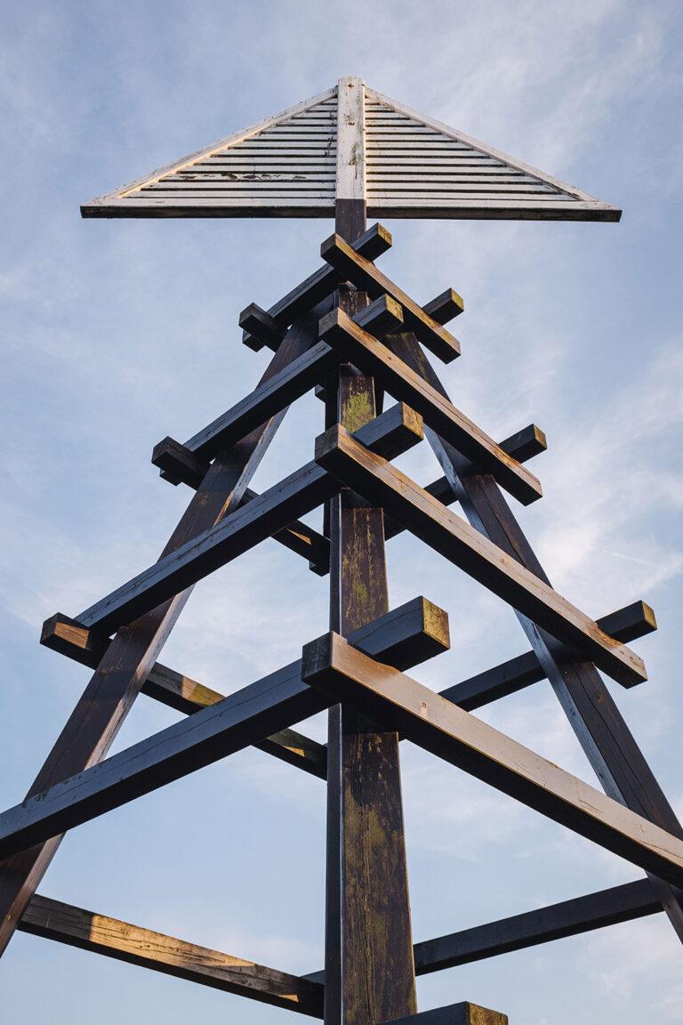 Holzskulptur auf Langeoog (Wittmund, Niedersachsen)