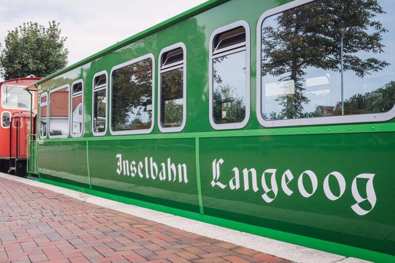 Inselbahn auf Langeoog (Wittmund, Niedersachsen)